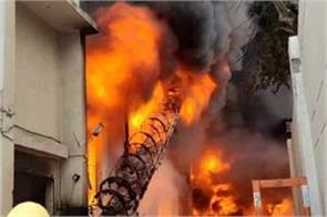 fierce fire in bahadurgarh many workers trapped in factroy