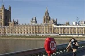 lockdown resumed in uk for 1 month