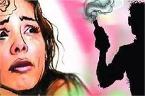 acid attack lover throws acid on girlfriend in maharashtra dies