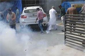 bjp leaders fire crackers in celebration of victory despite ban