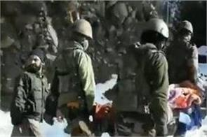 jammu and kashmir army solders has taken woman home on stretcher