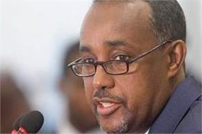 suicide bomber in somalia hits prime minister s rally