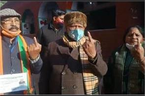 union minister of state rattan lal kataria cast vote