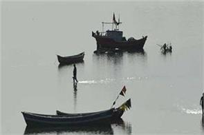 pakistani fisherman enters indian maritime zone bsf caught