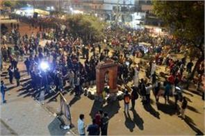 protests still continue on caa shaheen bagh road
