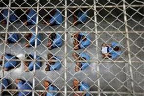 pakistan hands over list of 282 indian prisoners