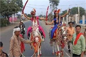 special wed khandwa city two sisters wed venue procession horseback