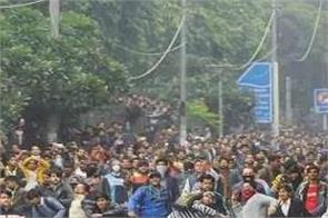 delhi police questioned students for two hours