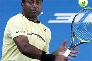 bhupathi praised leander paes said can play one more year