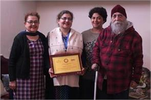 teacher puneet madan honoured with national award