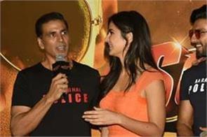akshay kumar praises ranveer singh during sooryavanshi trailer