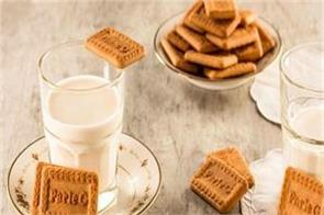 parle company took commendable steps announced to distribute 3 crore packets
