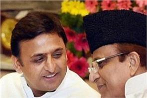 akhilesh demands yogi government to release azam in view
