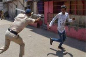 bihar bjp media in charge went out to buy flour policemen beat up