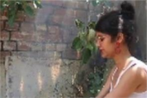 bigg boss 7 contestant ratan rajput trapped in the village due to lockdown