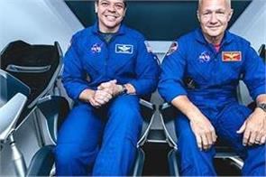 astronauts arrive for nasa s 1st home launch in decade