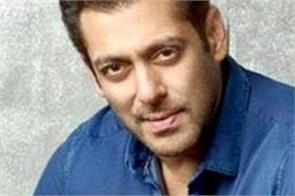 salman khan helping corona front line warriors by distributing sanitizers