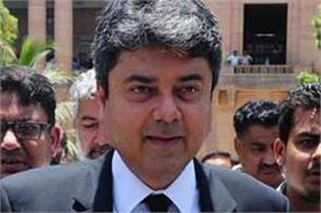 pakistan s law minister resigns