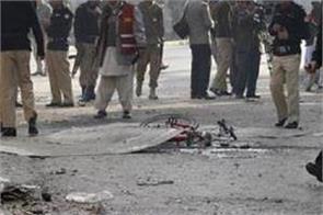 bomb explosion in pakistan market kills one 15 injured