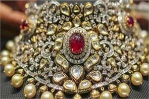 gems jewelery exports declined 82 31 percent to rs 4 328 54 crore in april may