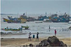 cyclone nisarg moving towards maharashtra gujarat red alert issued