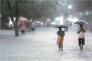 monsoon knocked in gujarat heavy rains with strong wind