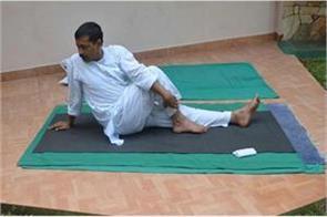 cm kejriwal did yoga at home due to corona crisis