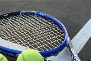 tennis umpire suspended for not reporting corruption attempts