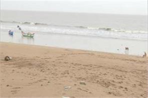cyclone nisarg ten sailors rescued from ratnagiri coast