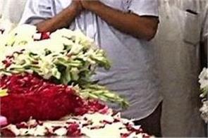 delhi cm kejriwal tribute to former cm sheila dikshit