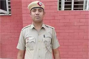 constable dinesh became a star on social media