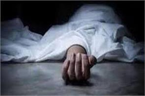 minor dies after faillng from house in pulwama