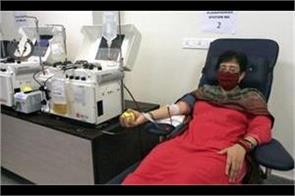 aap mla atishi donated plasma appealed to others