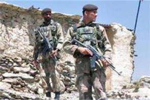 three pakistan soldiers killed in terror attack