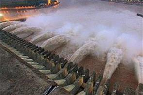 anxiety grows as china s three gorges dam hits highest level