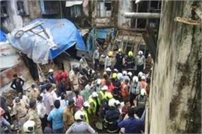 mumbai part of three storey building collapsed