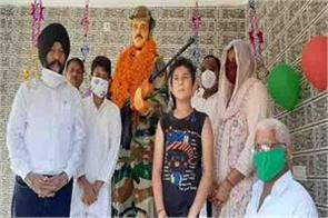tribute paid to uri martyr