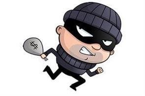 thief looted shop in bari brahmna