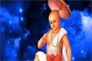 finance minister of kerala stuck by tweeting on vamana avatar of vishnu