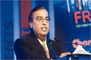 reliance may sell  20 billion stake in retail business to amazon report