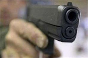52 year old man robbed at shahdara flyover in delhi shot dead for protesting