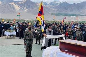 bjp leader ram madhav joins tibetan jawan s final farewell