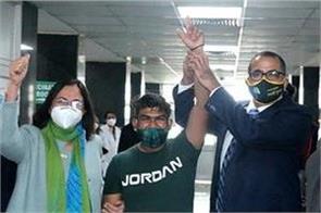 arun the sanitation worker got the first vaccine