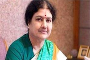 tamil nadu politics heats up as sasikala arrives in chennai