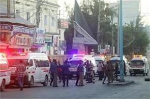 17 killed in suicide attack on mogadishu hotel