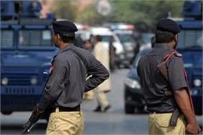one  terrorist  killed five arrested in karachi