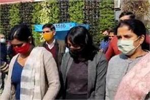 disha ravi arrest case delhi women commission sent notice to police