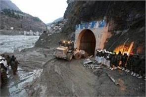 uttarakhand disaster another dead body found on the banks of alaknanda