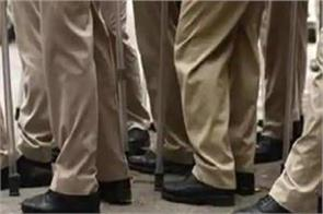 7 policemen suspended for failing to stop committing uproar