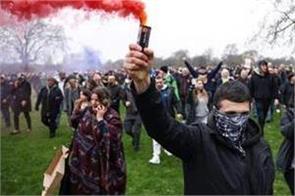 uk police arrest 33 at anti lockdown protests